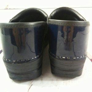 Dansko Shoes - Dansko navy clogs size 9